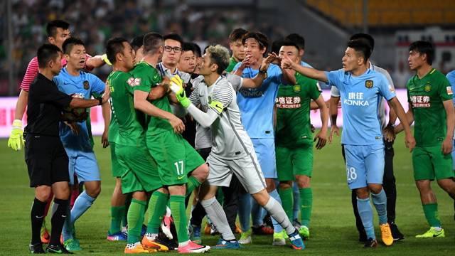 Çin'de ortalık karıştı! Burak Yılmaz...