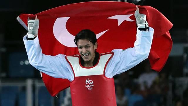 Nur Tatar Askari dünya tekvando şampiyonu oldu