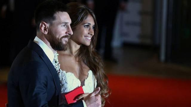 Messi Antonella Roccuzzo ile dünya evine girdi