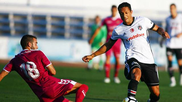 Beşiktaş 2 - 2 Valladolid