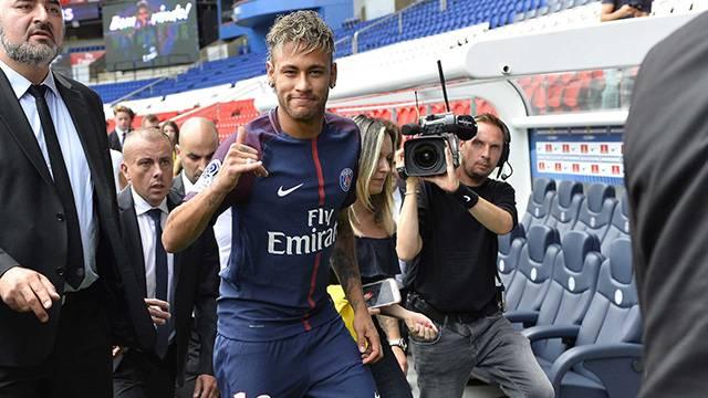 Neymar ikinci hafta maçında da forma giyemeyecek