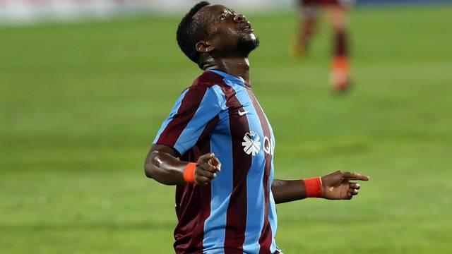 Trabzonspor, Onazi'yi İngiltere'ye sattı