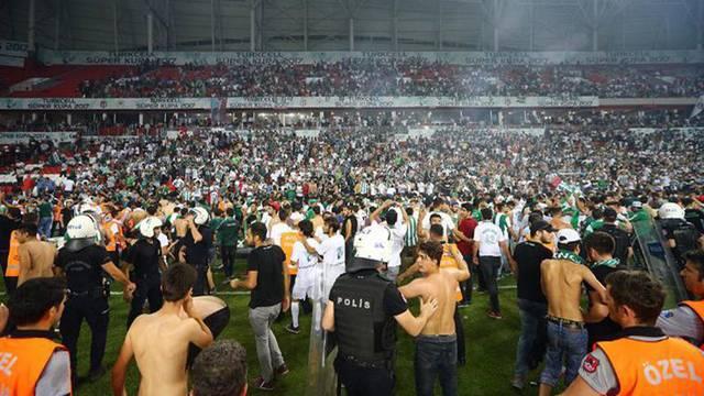 Finaldeki olaylar nedeniyle 17 tutuklama kararı