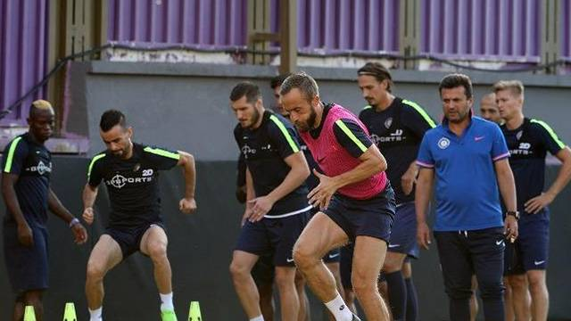 Osmanlıspor'da 4 futbolcunun sözleşmeleri fesh edildi