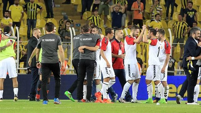 Makedon basını Vardar'ın Fenerbahçe'yi elemesine geniş yer verdi
