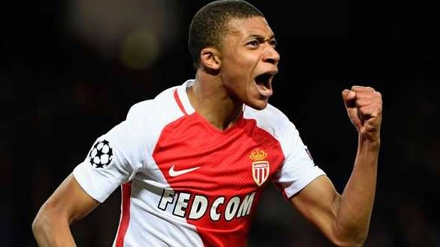 Monaco açıkladı! Mbappe PSG'ye transfer oldu