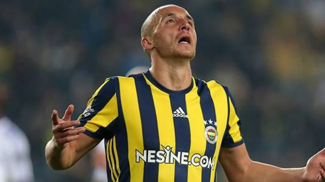 Aatif Chahechouhe Fenerbahçe'den ayrılıyor