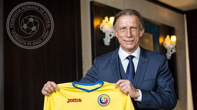 Romanya Futbol Federasyonu Christoph Daum'un görevine son verildiğini açıkladı