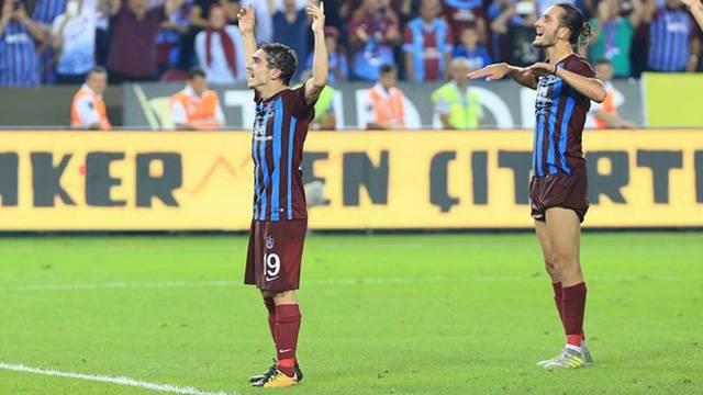Trabzonspor Abdülkadir Ömür'le 5 yıllık yeni sözleşme imzalayacak