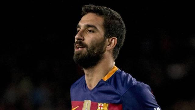 Barcelona Arda Turan ile ilgili kararı verdi