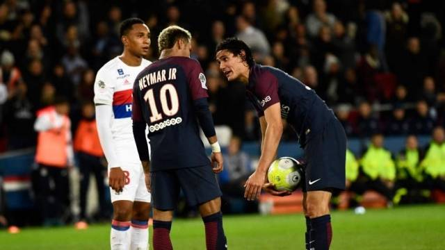 PSG'de Neymar-Cavani krizi büyüyor