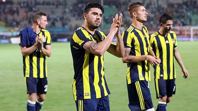 Fenerbahçe'de Van Persie, Chahechouhe ve Neustadter'le yollar ayrılıyor