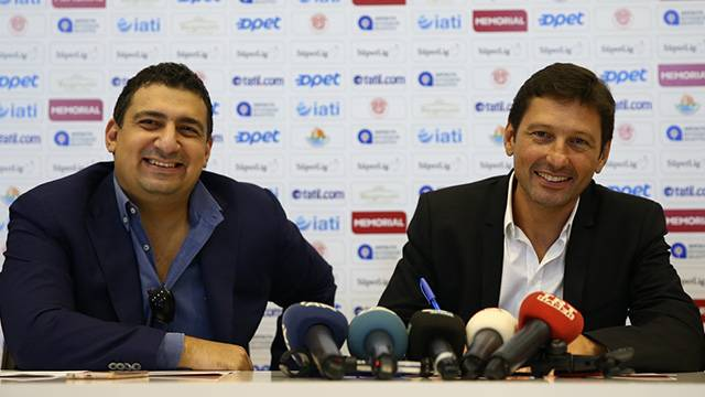 Antalyaspor Leonardo ile 2 yıllık sözleşme imzaladı