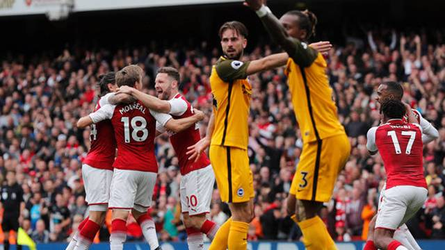 Arsenal 2 - 0 Brighton & Hove Albion