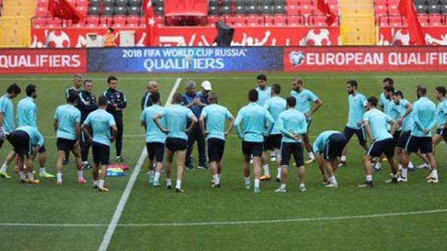 A Milli Futbol Takımı, Antalya'da toplandı