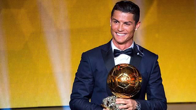 Ronaldo Ballon d'Or ödülünü satıp gelirini hayır kurumuna bağışladı