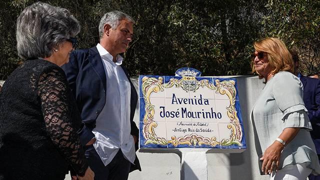 Mourinho'nun ismi, Portekiz'de bir caddeye verildi
