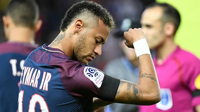 Neymar Barcelona'ya 26 milyon euroluk dava açtı