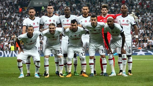 Crystal Palace'tan Cenk Tosun için Beşiktaş'a 22.4 milyon euroluk teklif