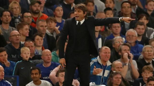 Chelsea'de futbolcular Conte'den şikayetçi