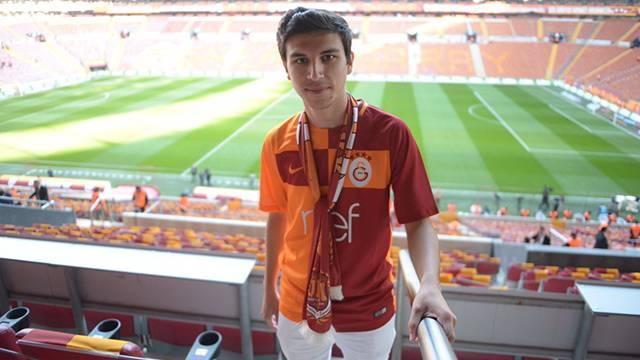 Hakan Karaoğlu Fenerbahçe derbisi için Türk Telekom Stadyumu'na geldi