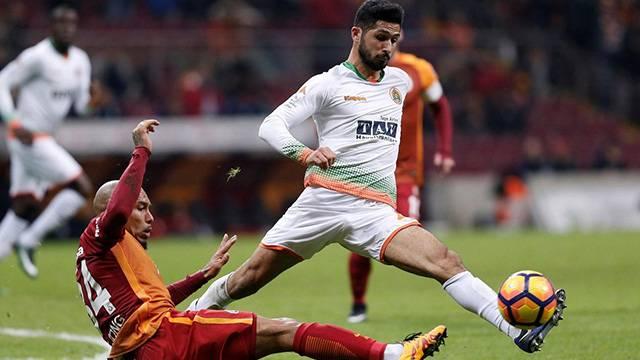 Galatasaray Emre Akbaba'yı 2014'te elinden kaçırmış