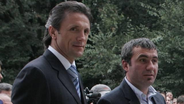 Hagi ve Popescu, Karşıyaka için Türkiye'de!