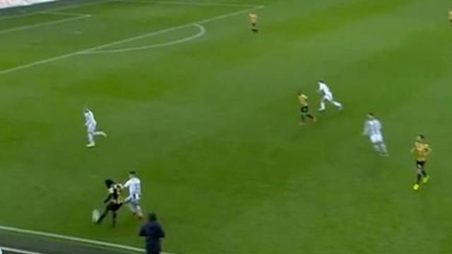 Fankaty Dabo 40 metreden kendi kalesine gol attı!