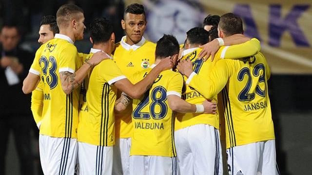 Fenerbahçe'ye Isla ve Valbuena'dan iyi haber