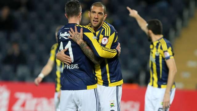 Fenerbahçe'de Van Persie kalacak, Fernandao yolcu