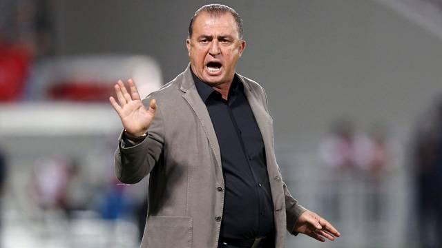 Gençlik ve Spor Bakanı Osman Aşkın Bak: Fatih Terim'e tazminat ödenmemiştir