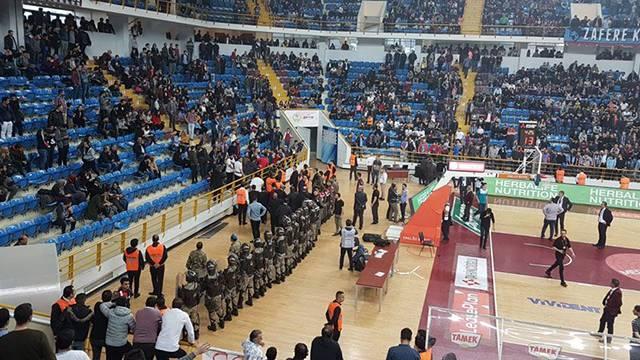 Trabzonspor'a 2 maç seyircisiz oynama cezası