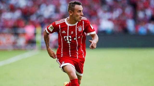 Bayern Münihli Rafinha trafik kazası geçirdi