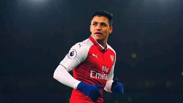 Manchester ekipleri ile anılan Alexis Sanchez kadro dışı!