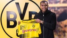 Dortmund, Basel'den Manuel Akanji'yi kadrosuna kattı