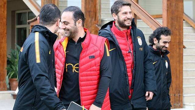 Hasan Şaş'tan Sneijder'e 'bitti' göndermesi