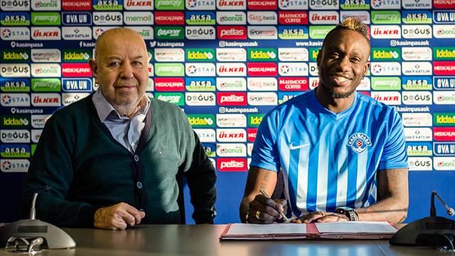Kasımpaşa Mbaye Diagne'yi transfer etti