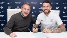 Manchester City Otamendi'nin sözleşmesini 2022'ye kadar uzattı