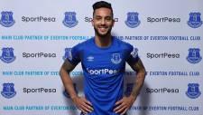 Everton Theo Walcott'u kadrosuna kattı