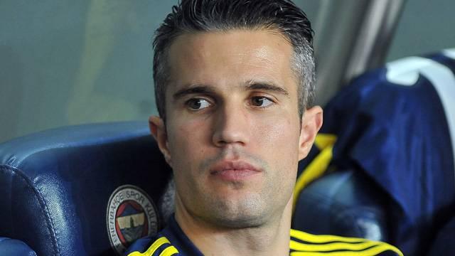 Robin van Persie'nin istekleri Fenerbahçe'yi çıldırttı