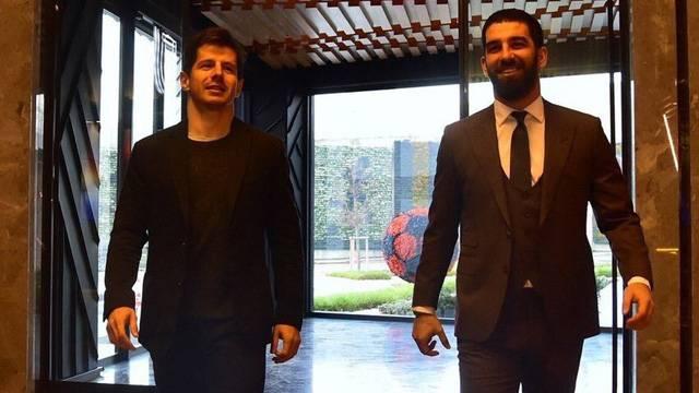 Galatasaray taraftarından Arda Turan pankartı