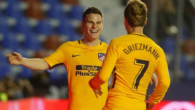 Barcelona Arda Turan'ın 7 numarasını Griezmann'a verecek