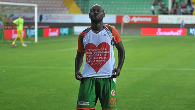Beşiktaş Vagner Love için resmi teklif yaptı