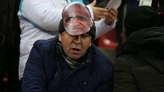 Kayserispor tribünlerinde Selahattin Aydoğdu maskesi