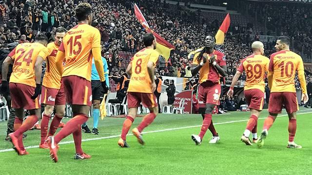 Gomis, Feghouli ve Garry Rodrigues Galatasaray'ı sırtlıyor