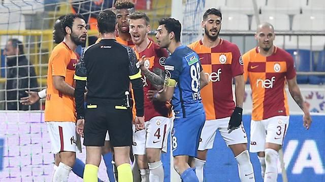 Galatasaray'dan imalı Kasımpaşa maçı paylaşımı