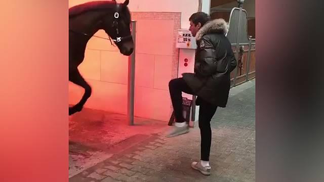Thomas Müller atla dans etti