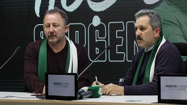 Sergen Yalçın Atiker Konyaspor'la sözleşme imzaladı