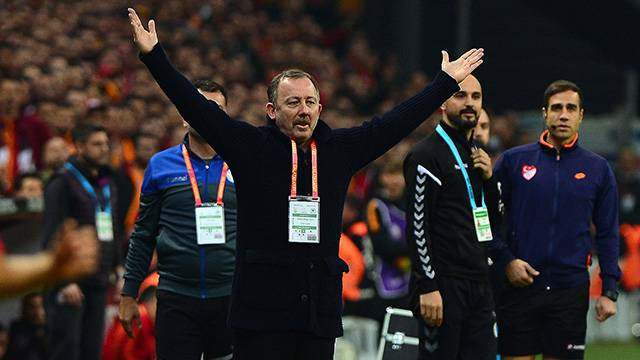 Sergen Yalçın'dan Galatasaray'a tepki!