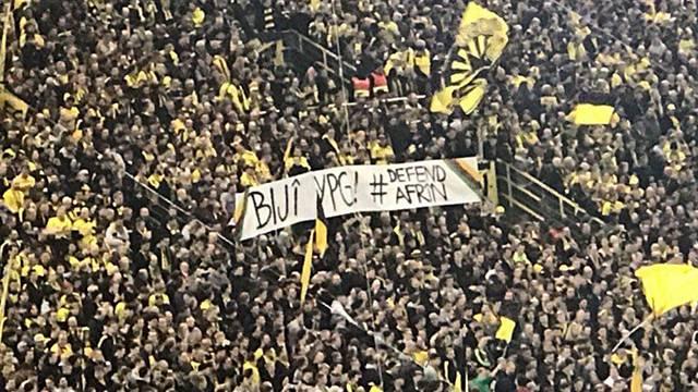 Dortmund tribünlerinde YPG'ye destek pankartı açıldı